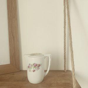 Pot à lait fleuri – Ambre satiné